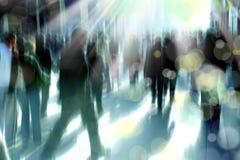 Люди на оживленной улице Стоковые Фото
