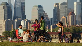 Люди на парке в более низком Манхаттане Стоковые Фото