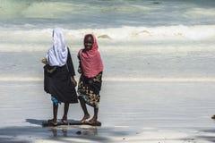 Люди на пляже Занзибара Стоковые Изображения RF