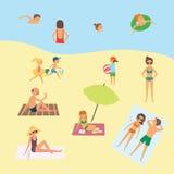 Люди на пляже Стоковые Фотографии RF