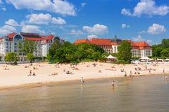 Люди на пляже Sopot, Польши Стоковые Фото