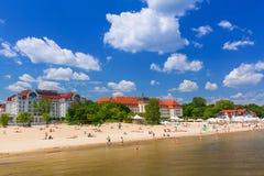 Люди на пляже Sopot, Польши Стоковое фото RF