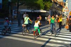 Люди на улицах Любляны, Словении Стоковое Изображение