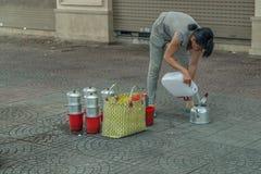 Люди на улице азиатской страны - Вьетнам и Камбоджа Стоковые Изображения