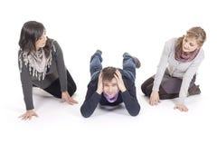 люди объениняются в команду детеныши Стоковые Фото