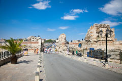 Люди посещают старый городок 15-ого августа, день Nessebar, Болгарии. Стоковое Фото