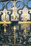 Люди посещая королевский дворец Мадрида на Испании Стоковое фото RF