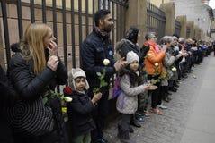 Люди приковывают для еврейств в Дании Стоковые Изображения