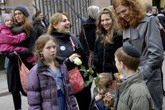 Люди приковывают для еврейств в Дании Стоковые Фото