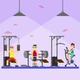 Люди приниматься современный спортзал Стоковые Изображения RF