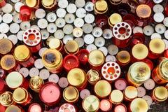 Люди приносят дань в памяти о жертвах в огне на клубе Colectiv Стоковые Фото