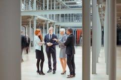Люди работая совместно в корпорации Стоковая Фотография RF