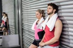 Люди спортсмена представляя совместно Стоковая Фотография RF
