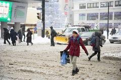 Люди ходя по магазинам для xmas от центра eaton Стоковая Фотография RF