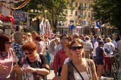 Люди шли на улицу Стоковая Фотография