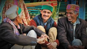 Люди Himachali в традиционной одежде Стоковое фото RF