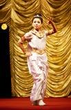 люди myanmar танцульки Стоковое Фото