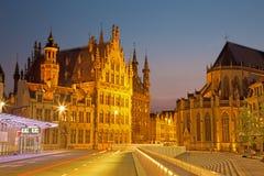 Лёвен - готские ратуша и собор St Peters от Margarethaplein Стоковое Изображение