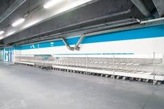 Магазинные тележкаи whit подземного гаража стоковое фото