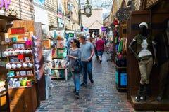 Магазины на рынке Camden, Лондоне, Великобритании Стоковое фото RF