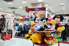 магазин девушок Дисней одежд мальчиков Стоковое фото RF