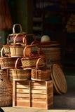 Магазин корзин Много вид корзины которое сделано бамбука wicker корзины handmade тайский Сплетенная бамбуковая текстура Стоковая Фотография