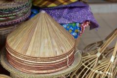 Магазин корзин Много вид корзины которое сделано бамбука wicker корзины handmade тайский Сплетенная бамбуковая текстура Стоковые Фото