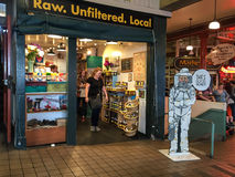 Магазин меда на рынке места Pike стоковая фотография