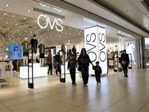 Магазин моды OVS в Риме стоковое изображение