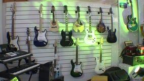 Магазин музыки сток-видео