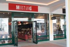 Магазин мустанга в Parndorf, Австрии Стоковая Фотография