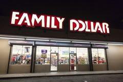 Магазин доллара семьи Стоковые Фото