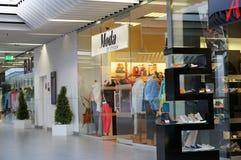 Магазин одежд Moda Стоковая Фотография
