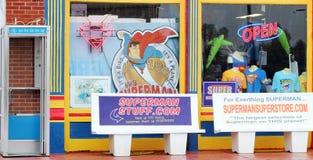 Магазин подарков и сувениров супермена Стоковые Фотографии RF