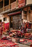 Магазин с handmade коврами стоковые фотографии rf