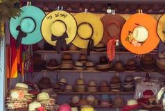Магазин шляпы с винтажным стилем стоковое фото