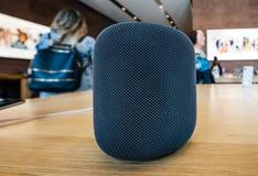 Магазин Яблока самые последние компьютеры Эпл HomePod Стоковое Фото