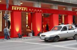 магазин bucharest ferrari стоковые фотографии rf