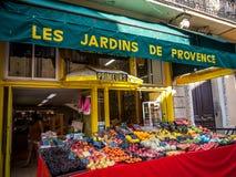 Магазин Greengrocery в Канн Стоковое фото RF