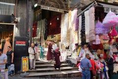 Магазин Locals для одежд детей стоковые фотографии rf