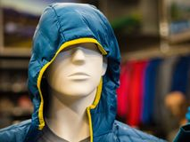 Магазин Sportswear в сезонах осени и зимы стоковые фото