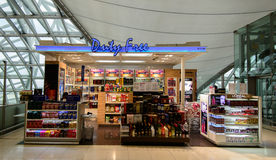 Магазин Uty свободный внутри на авиапорте Suvanaphumi, Стоковое Фото