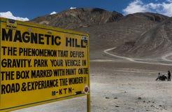 Магнитная доска знака холма в Leh стоковое изображение