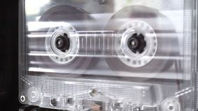 Магнитофонная кассета играя ленту стоковая фотография