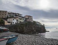 Мадейра, Португалия - Camara de Lobos, пляж, стоковые фото