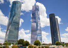 МАДРИД, ИСПАНИЯ - 22-ое июля 2014: Город Мадрида, бизнес-центр, современные небоскребы Стоковые Фото