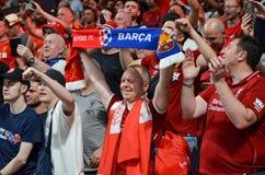 Мадрид, Испания - 1-ОЕ МАЯ 2019: Вентиляторы и зрители Ливерпуля празднуют их выигрывать лиги чемпионов UEFA 2019 на Ванда стоковое фото rf