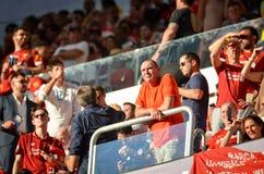 Мадрид, Испания - 1-ОЕ МАЯ 2019: Вентиляторы Ливерпуля в стойках поддерживают команду во время финального матча 2019 лиги чемпион стоковая фотография rf