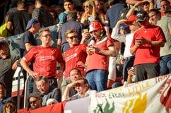 Мадрид, Испания - 1-ОЕ МАЯ 2019: Вентиляторы Ливерпуля в стойках поддерживают команду во время финального матча 2019 лиги чемпион стоковые фотографии rf