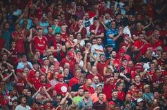 Мадрид, Испания - 1-ОЕ МАЯ 2019: Вентиляторы Ливерпуля поддерживают команду во время финального матча 2019 лиги чемпионов UEFA ме стоковое изображение